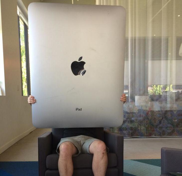 12.9-inch iPad vs. Retina MacBook Air for precedence