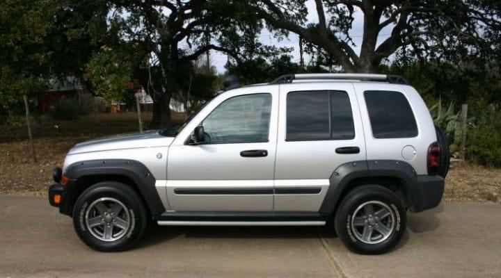 Jeep Liberty, Wrangler, Dodge Viper recall fix in May