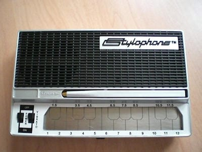 Hands On Stylophone Electronic Organ 11