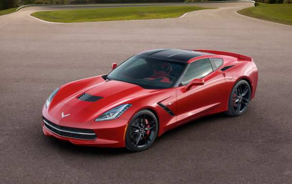 2014 Nissan GTR Vs. C7 Corvette Stingray, by the numbers