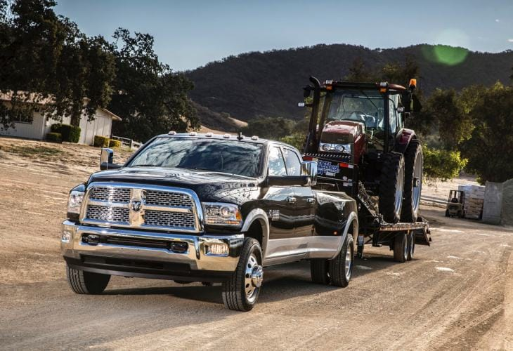 2015 Ford F-450 vs. Ram 3500 towing capacity