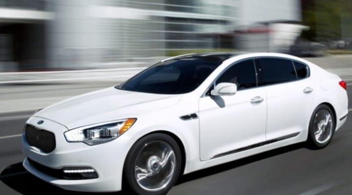 2015 Kia K900 price estimates less than competitors