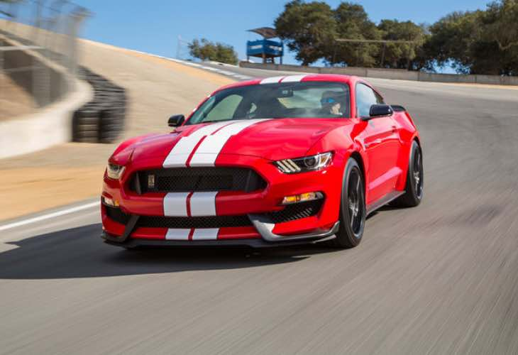 2016 ford shelby gt350 vs gt350r mustang review product. Black Bedroom Furniture Sets. Home Design Ideas