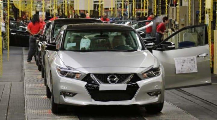 2016 Nissan Maxima production rekindles design hatred