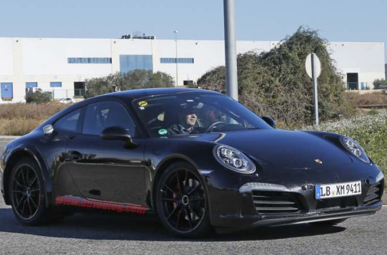2017 Porsche 911 spy shots hide plug-in hybrid powertrain