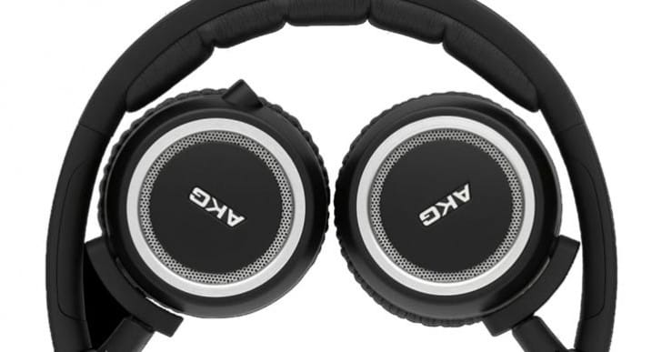 Top 3 Headphones with Mic for Christmas in the UK
