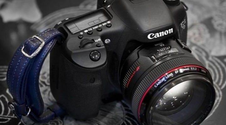 Amazon ignites Canon 7D Mark II release rumors
