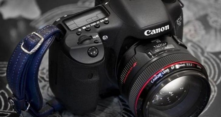 Amazon ignites Canon 7D Mark II release rumors