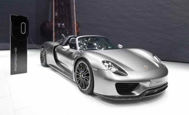 Another Porsche 918 Spyder recall, not for hybrid system