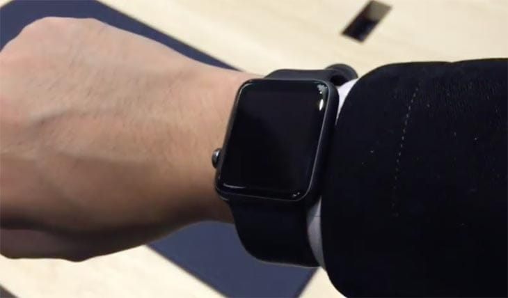 Apple-Watch-black-store-demo