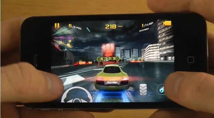Asphalt 8- Airborne on iPhone 5 vs. 4S and iPod