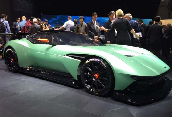Aston Martin Vulcan similarities