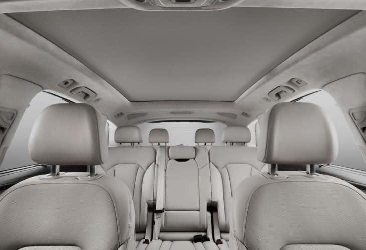 Audi Q7 e-tron Quattro interior