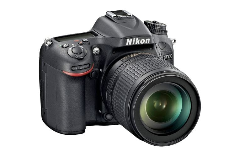 Awaiting Nikon D7100 vs. D7000 visual review showdown