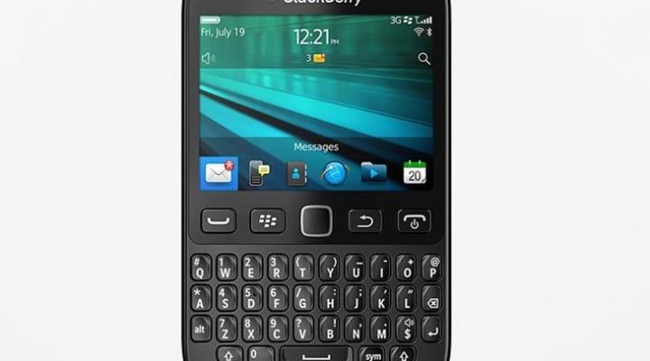 New BlackBerry 9720 arrives in UK