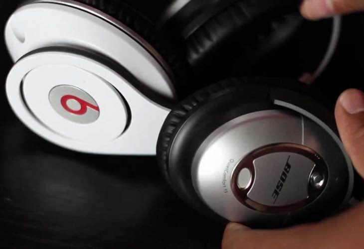 Bose and Beats in Apple Store Christmas showdown
