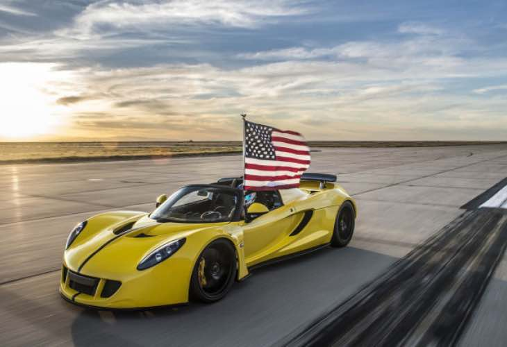 Bugatti Chiron struggle with new Hennessy Venom GT Spyder speed record