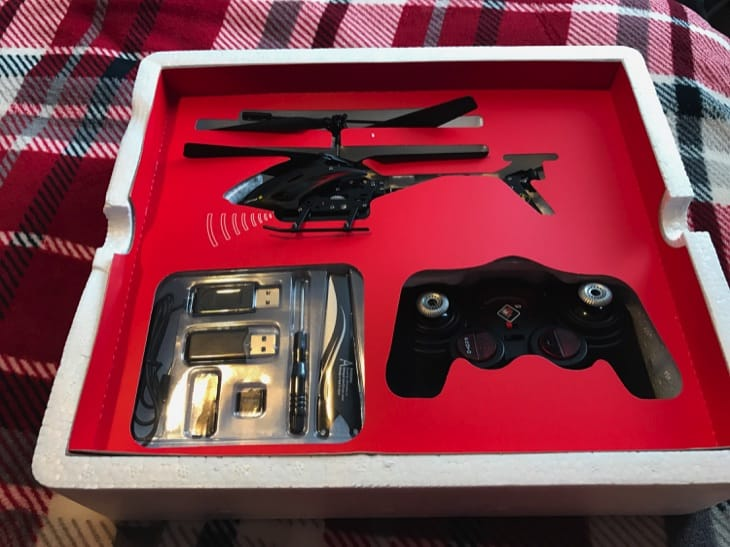 camstryker-rc-helicopter-review-with-camera-7