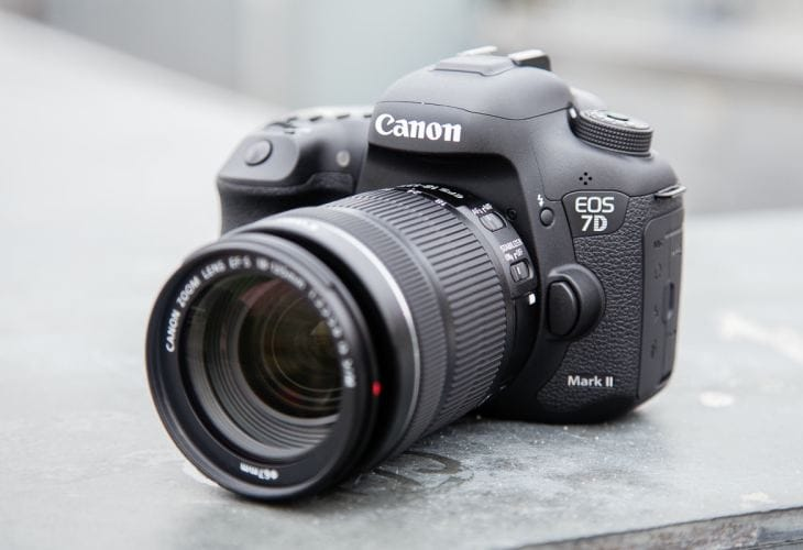Canon 7D Mark II manual and supported accessories