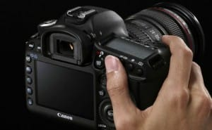 Nikon rival Canon EOS 5D Mk III DSLR priced and dated