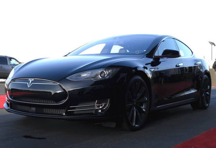 Detroit Electric SP-01 vs. Tesla Model S P85D performance