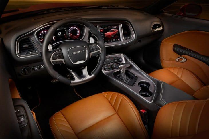 Dodge Challenger Hellcat 2015 interior