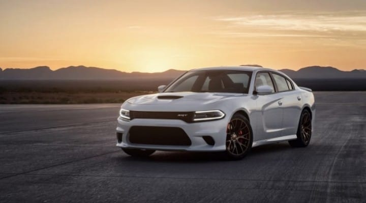 Dodge Charger SRT Hellcat 2015 eclipses Mercedes S65 AMG