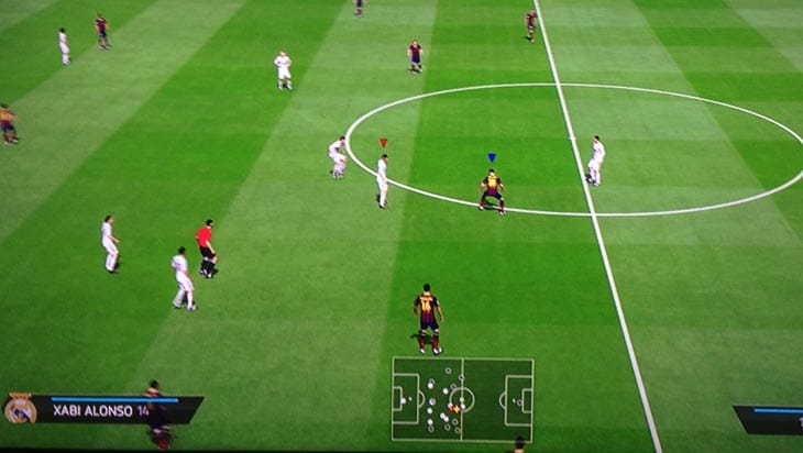 FIFA-14-invisible-ball-glitch