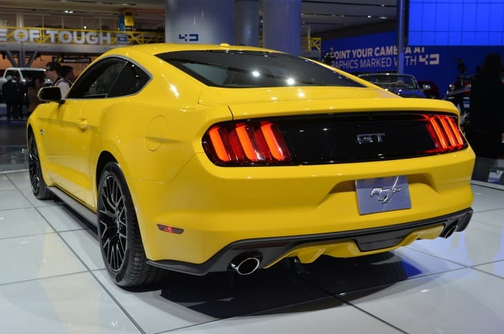 Ford Mustang 2015 GT and Premium