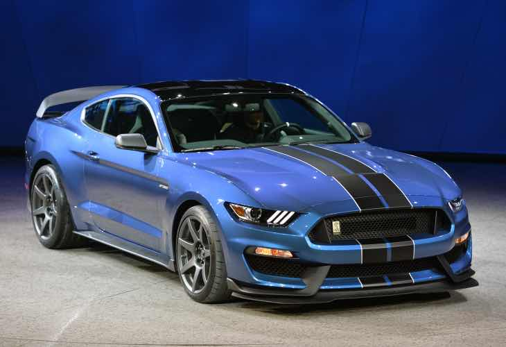 Ford Mustang GT350, GT350R equipment and color options