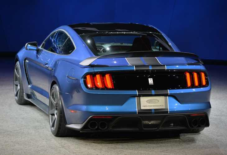 Ford Mustang GT350, GT350R equipment