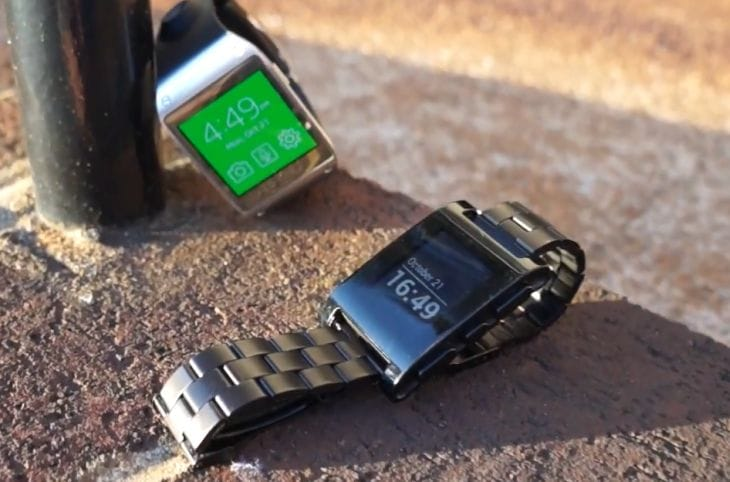 Galaxy Gear vs. Pebble - Similarities and disparities