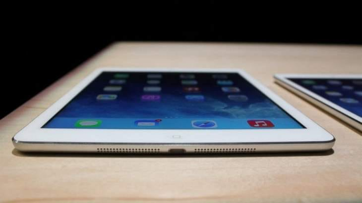 Galaxy Note Pro 12.2 vs. iPad Air