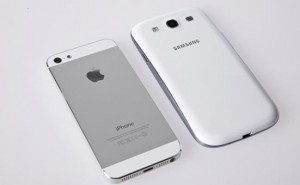 Galaxy S3 vs. iPhone 5 by the materials used
