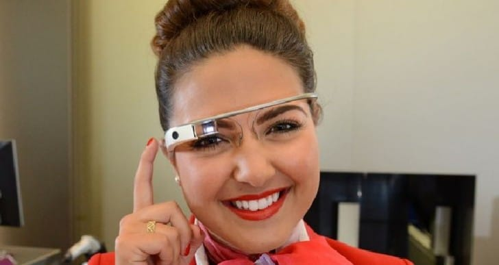 Preview app for Google Glass plays movie trailers