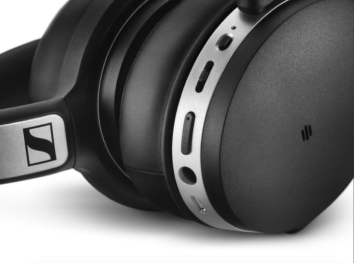hd4-headphones