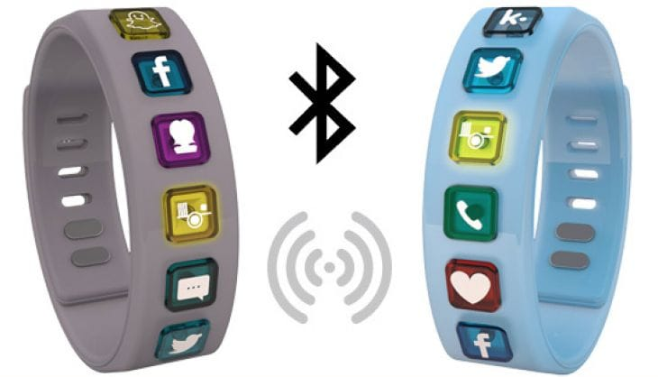 Hicon Smart bracelet with social network support