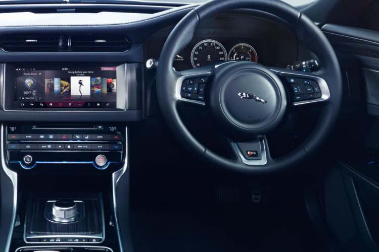 Jaguar XF 2015 trim levels confirmed