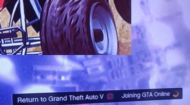 Joining GTA Online, loading screen gets stuck