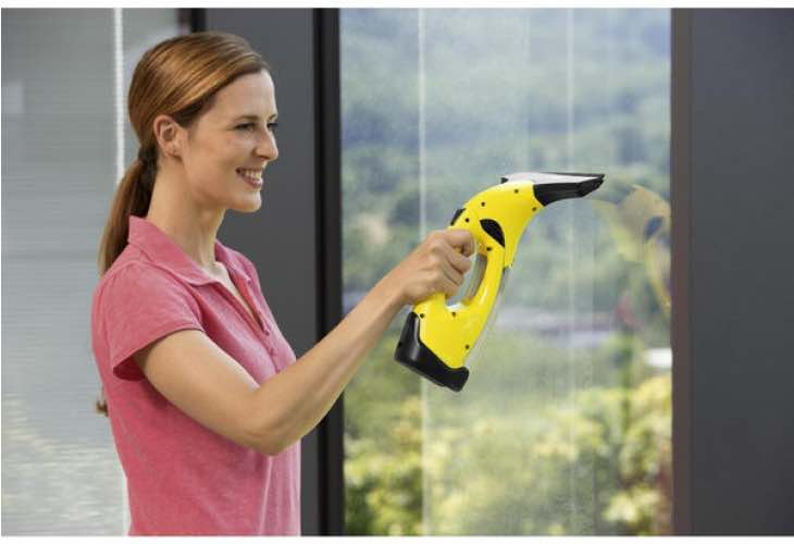 karcher-wv2-window-vacuum-cleaner-review-with-warning-signs