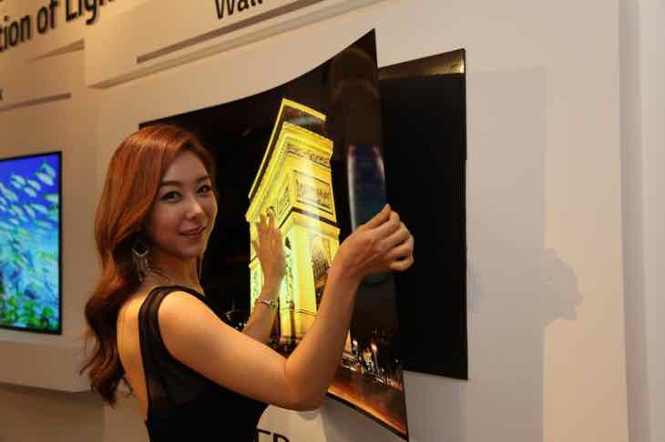 LG Display unveils wallpaper OLED panel