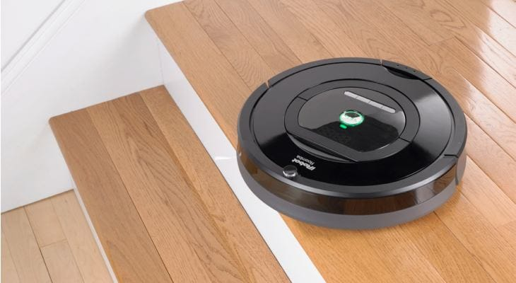 LG HOM BOT Square vs. Roomba 2