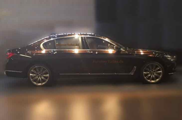 Latest 2015 BMW 7 Series picture reveals shape