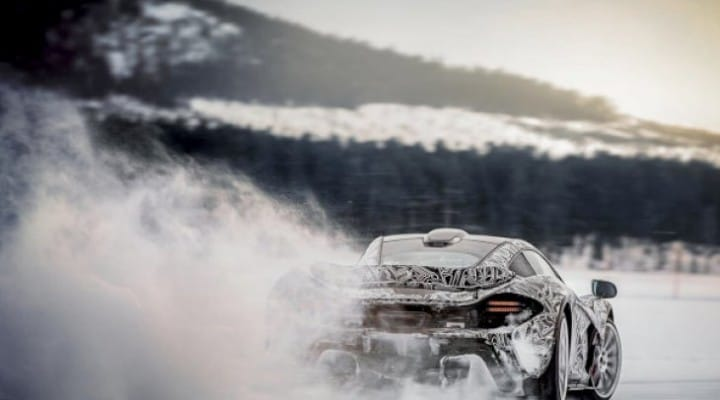 McLaren P1 handling pushed to the limits
