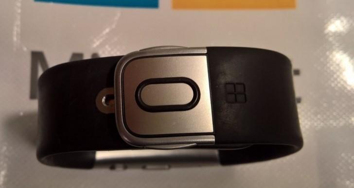 Microsoft Band 3 follows Apple Watch Series 2 design strategy