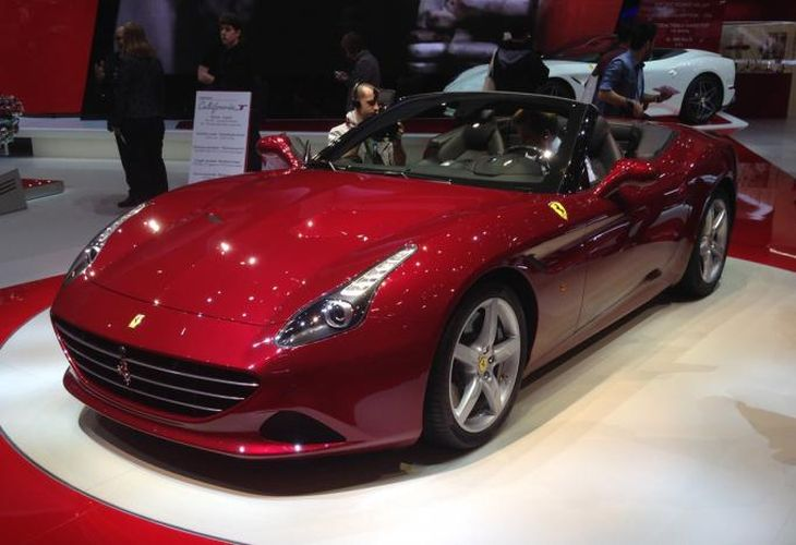 New Ferrari California T unveiled in Geneva