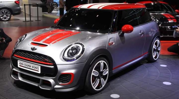 2015 Mini John Cooper Works performance boost