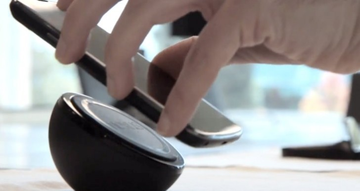 Nexus 4 Wireless Charger lacks practicality, 4 hour charging