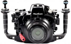 Nikon D7100 fits into D600 underwater housing