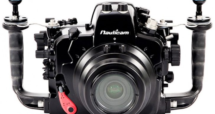 Nikon D7100 fits into D600 underwater housing